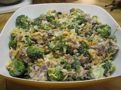 In a large bowl combine broccoli, onion, and cheese. - Recipe Main Dish : Broccoli salad by Nummies Side Recipes, Paleo Recipes, Cooking Recipes, Drink Recipes, Brocolli Salad, Broccoli, Comfort Food, Summer Salads, Soup And Salad