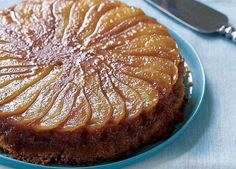 Caramelized Pear Upside-Down Cake Recipe (Fine Cooking) This cake is delicious warm or at room temperature. No Bake Desserts, Just Desserts, Delicious Desserts, Yummy Food, Baking Desserts, Pear Recipes, Sweet Recipes, Cake Recipes, Pear Dessert Recipes