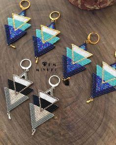 Küpe siparişlerin bir kısmı💙🖤☑️ ✩ ✩ ✩ ✩ ✩ ✩ ✩ ✩ … Some of the earring orders 💙🖤☑️ ✩ ✩ ✩ ✩ ✩ ✩ ✩ ✩ ✩ ✩ ✩ ✩ ✩ ✩ ✩ ✩ ✩ ✩ ✩ ✩ ✩ © ️Design & Photo📸 ➡️Dm miyuki – Do not use without permission! Seed Bead Jewelry, Bead Jewellery, Seed Bead Earrings, Beaded Earrings, Beading Projects, Beading Tutorials, Beaded Jewelry Patterns, Beading Patterns, Bead Earrings