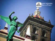 La ciudad y su encanto. EL MEJOR HOTEL EN PUEBLA. La próxima vez que visite la capital, en Best Western Real de Puebla, estamos seguros de que le va a encantar deleitarse con el sabor de la gastronomía poblana, admirar su arquitectura y disfrutar de su espléndido clima. Le invitamos a hacer su reservación en nuestras instalaciones, llamando al (222)2300122. #hotelenpuebla