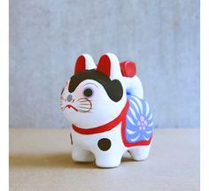 Japanese Mythology, Maneki Neko, Cut Out Design, Shape And Form, Ceramic Clay, Japanese Art, Event Decor, Folk Art, Arts And Crafts