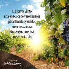 Marcos 2:22 Y nadie echa vino nuevo en odres viejos; de otra manera, el vino nuevo rompe los odres, y el vino se derrama, y los odres se pierden; pero el vino nuevo en odres nuevos se ha de echar.