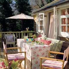Summer house ideas – Garden shed – Summer house for garden Outdoor Rooms, Outdoor Gardens, Outdoor Living, Outdoor Furniture Sets, Outdoor Decor, Outside Living, Al Fresco Dining, Porch Decorating, Decorating Tips
