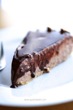 No-Bake Grain and Gluten-Free Chocolate Cheesecake {sugar free}