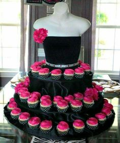 The Couture Cupcake Stand dress for birthdays, partys, bridal showers, quinceanera and special events Couture cupcake stand great for a jewelry show! Draw them in with cupcakes, no one else will have and close the deal on a sale of your Cupcake Couture, Beautiful Cakes, Amazing Cakes, Simply Beautiful, Barbie Party, Barbie Birthday, Daughter Birthday, Princess Birthday, Princess Party