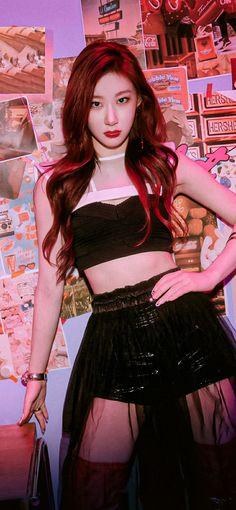 Kpop Girl Groups, Korean Girl Groups, Kpop Girls, K Pop, Cool Girl, My Baby Girl, Beautiful Girl Makeup, Bias Kpop, Girl Bands