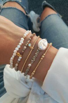 Bead Jewellery, Beaded Jewelry, Jewelery, Beaded Necklace, Beaded Bracelets, Handmade Wire Jewelry, Diy Crafts Jewelry, Handmade Bracelets, Jewelry Ideas