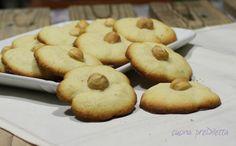 Biscotti alle nocciole con sparabiscotti