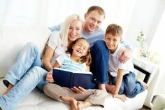 Resultado de imagem para familia feliz