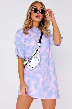 Faythe Lilac Tie Dye Oversized T Shirt Dress Tie Dye Fashion, Look Fashion, Fashion Outfits, Moda Oversize, Tumblr T-shirt, Moda Tie Dye, Bleach Tie Dye, Tye Dye, Bleach Pen