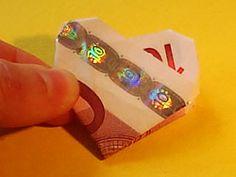Hier wird erklärt wie man Geldscheine zu Herzen und zu vielen anderen Symbolen falten kann.