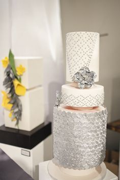 Love this gorgeous cake from The Cake Museum http://www.thecakemuseum.ca/