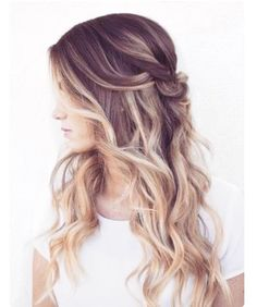 Ponytail with wavy hair style