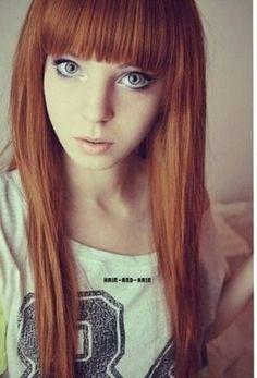 Capelli arancioni occhi chiari