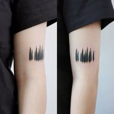 Cypresses on the left upper arm.