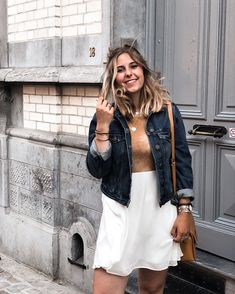 Stay close to people who feel like sunshine    #blondie#girlsquad#fashionblog#blogueuse#belgium#belgian#dress#whitedress#jeansjacket#girly#girlsmile#summer#summeroutfit#summermood#summervibes#red#naturalhair#laugh#preciousmoments