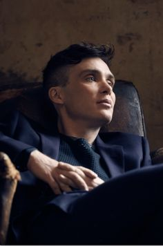 Cillian Murphy as Tomy Shelby Im overly attracted to this character Peaky Blinders Tommy Shelby, Peaky Blinders Thomas, Cillian Murphy Peaky Blinders, Peaky Blinders Wallpaper, Peaky Blinders Quotes, Def Not, Tom Hardy, Gorgeous Men, Hot Guys