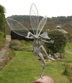40 Extraordinary Line And Wire Sculptures Wire Art Sculpture, Garden Sculpture, Wire Sculptures, Abstract Sculpture, Bronze Sculpture, Robin Wight, Fantasy Wire, Garden Statues, Belle Photo
