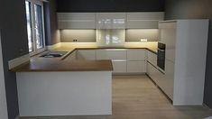 Amazing chalet design to your winter chalet. Moduler Kitchen, Wren Kitchen, Kitchen Shop, Kitchen Corner, Open Plan Kitchen, Kitchen Layout, Kitchen Colors, Kitchen Interior, Kitchen Decor