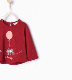 Image 1 de T-shirt orné d'un éléphant et d'un ballon de Zara