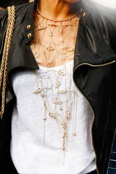 Amazing necklace - Paris Fashion Week Accessories - Paris Street Style Accessories - ELLE