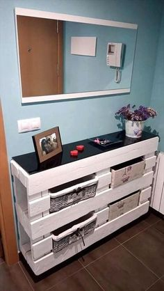 awesome Entryway Table Made of 2 Pallets - DIY 20 Upcycled Wood Pallet Ideas | 101 Palle... by http://www.best99-home-decorpics.us/homemade-home-decor/entryway-table-made-of-2-pallets-diy-20-upcycled-wood-pallet-ideas-101-palle/