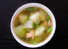Vietnamese Winter Melon Soup with Shrimp (Canh Bi Dao Tom)