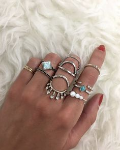 Ring sets $10 and under! Stack it up on the site! ✨ #the2bandits #summeroflove #samplesale