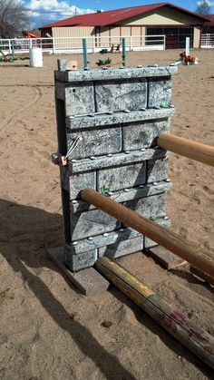 Using pallets ... add 2x4 strips for posts to sit on ... easy!!!
