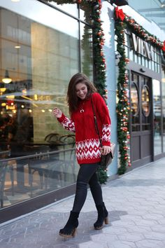 http://www.theguestgirl.com/2016/11/ruga-sweater-xmas-shopping-outfit/ #rüga #cardigan  #outfit #look #xmas #red #shopping #xmasoutfit #barcelona #theguestgirl #black #denim #inspo #style #streetstyle #inspo2016 #2017 #kiss #hair #bronde #inspiration #casual #fashion #blogger #lv #trend