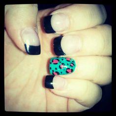 Leopard nails :)