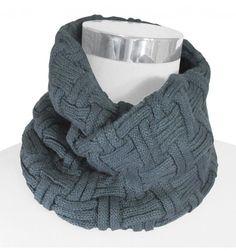 Resultado de imagen para bufandas hombre Canvas Handbags, Winter Warmers, Winter Wear, Yarn Crafts, Knitted Hats, Knitting, Womens Fashion, Casual, How To Wear