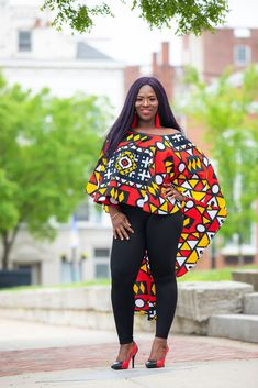 afrikanischer stil African clothing for women, ankara top. Get this simplistic but classy high low cape poncho / cape shawl / cover-ups. It is a versatile shrug poncho that has a African Inspired Fashion, African Print Fashion, Fashion Prints, African Prints, Ankara Tops, Ankara Styles, Wedding Dress, Red Black, Black And White