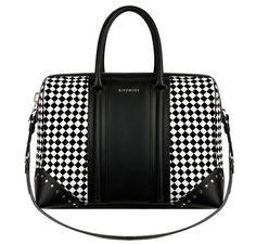 Le sac Lucrezia Givenchy by Riccardo Tisci @}-,-;--