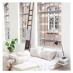 I've got bedroom envy! #amazing #interiors #pretty #white #crips #amazing