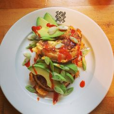 """French toast crumpets, avocado, sriracha, spring onion, smoked salt #avocado #sriracha #crumpets"""