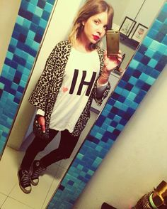 Girl in the Mirror!!#missimiss #fashion #streetstyle #outfit #moda #look #blog #converse #animalprint www.missimiss.es @bershkacollection @primark @renattandgo