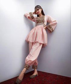 Stylish Dresses, Casual Dresses, Short Dresses, Fashion Dresses, Afghan Clothes, Afghan Dresses, Ethnic Fashion, Indian Fashion, Pakistani Dresses Casual