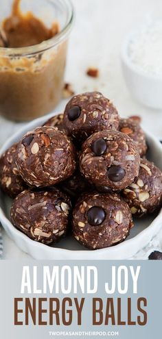 Almond Joy Energy Balls-chocolate, coconut, and almond come together to create a delicious and nutritious bite-sized snack! If you love Almond Joy candy bars, you will love these healthy little energy bites! Coconut Energy Balls, Vegan Energy Balls, Peanut Butter Energy Bites, Date Energy Balls, Almond Joy, Oatmeal Energy Bites, No Bake Energy Bites, Energy Bars, Chocolate Protein Powder