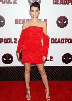 Brianna Hildebrand Deadpool 2 Premiere Bold And The Beautiful, Beautiful Eyes, Seductive Women, Sexy Women, Brianna Hildebrand, Teenage Warhead, Camren Bicondova, Danielle Panabaker, New Haircuts