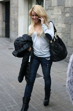 Humanitarian pop-star Shakira looks radiant after treating herself to a few hours at the spa. The singer proves that her Genetic Denim Shane Skinny Jeans in Torn stand the test of fashion time by wearing them time and again...