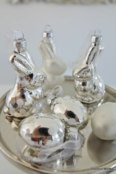 Coconut White: White and silver Easter decoration