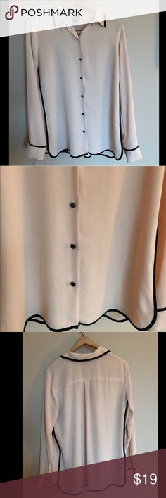 Ann Taylor medium size polyester chiffon blouse Ann Taylor medium size polyester blush pink and black detail lined chiffon-like blouse. Sleek and professional. Small mark on front as shown, cannot see while wearing. Collar and sleeves lined to show define like style. Wear for work or play 🌷♠️ Ann Taylor Tops Button Down Shirts