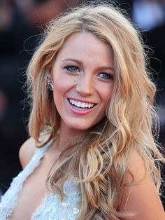 """Blake Lively's messy waves are """"sexy, wild, and almost furious."""""""
