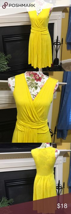 Boston Proper Dress 👗 Boston Proper V-Neck Dress 👗 Like New! Great Buy! Boston Proper Dresses