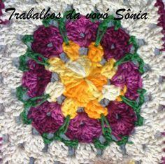 Trabalhos da vovó Sônia: Flor no quadrado - croché