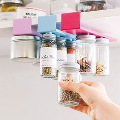 Here's some functional design ideas for kitchen organisation. Learn how to make the best use of your kitchen storage space. Clever Kitchen Storage, Spice Storage, Kitchen Organization, Medicine Organization, Kitchen Themes, Home Decor Kitchen, Room Interior, Interior Design Living Room, Storage Spaces