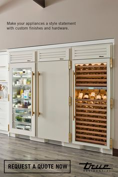 Achieve the ultimate customization in luxury refrigeration with True's Custom Finishes and Hardware options for its dynamic Columns. Picture here: Antique White + Brass--classic contrasts with elegant notes. Request your quote now. Home Decor Kitchen, Kitchen Interior, Home Interior Design, Home Kitchens, Dream Home Design, Cuisines Design, Küchen Design, Home Living, Home Remodeling