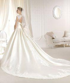 Coleção #Noivas La Sposa 2014 modelo IONANNA #casarcomgosto