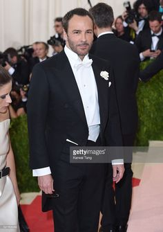 Impeccable, refined and smart styling. Young Fashion, Men's Fashion, Fashion Tips, Fashion Trends, Urban Male, Formal Tuxedo, Black Tie, Tom Ford, Hot Guys